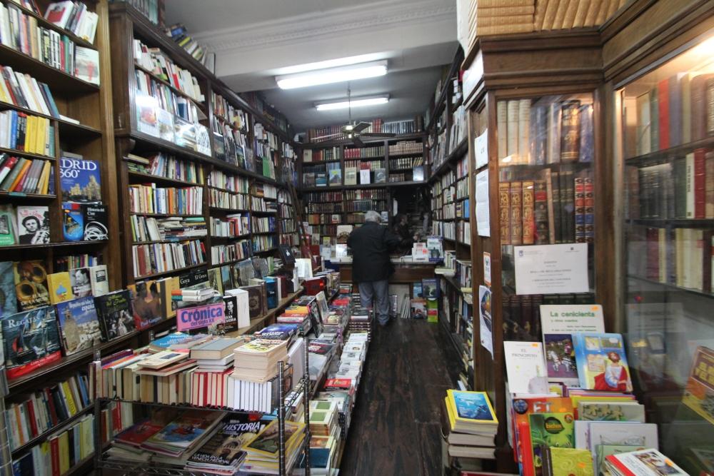Librería Pérez Galdós, calle Hortaleza, 5 (3/5)