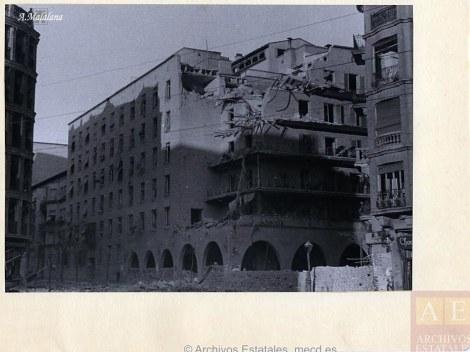 """Foto de Antifafot de la Casa de las Flores esquinas Hilarión Eslava y Rodríguez San Pedro.  """"Archivo Rojo"""""""