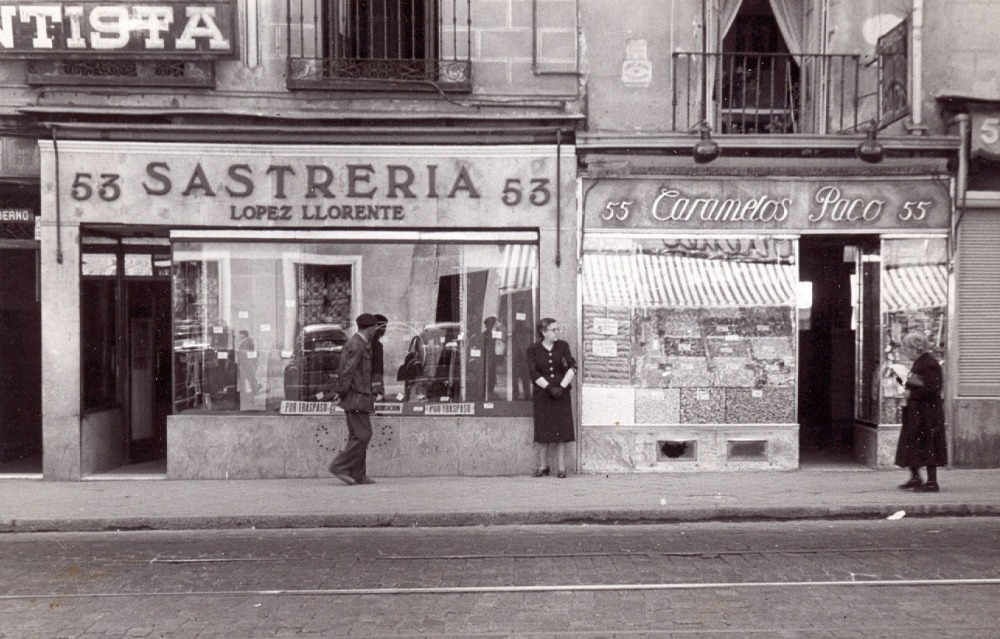 Caramelos Paco. Calle Toledo, 55. Barrio de Embajadores (1/6)