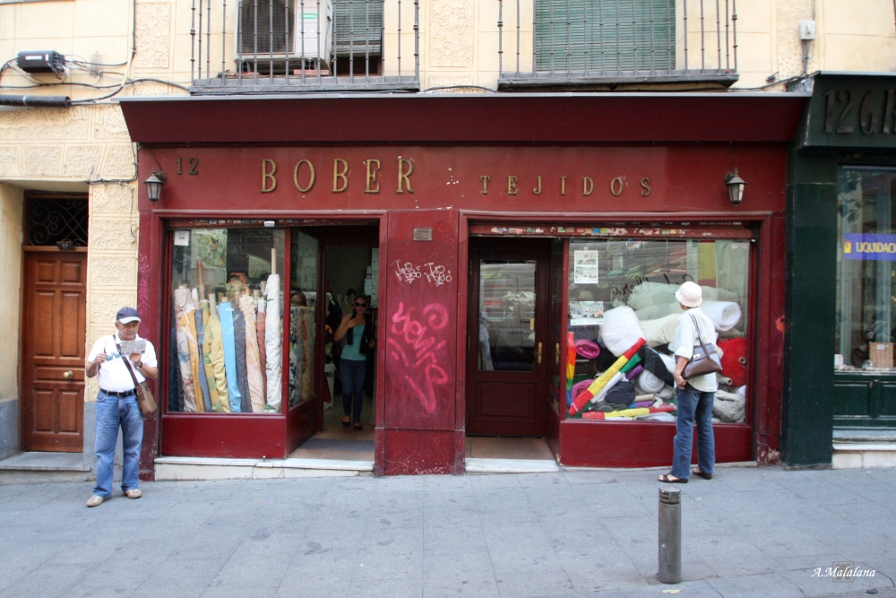 Bober tejidos. Calle Imperial, 12. Barrio de Sol (3/6)